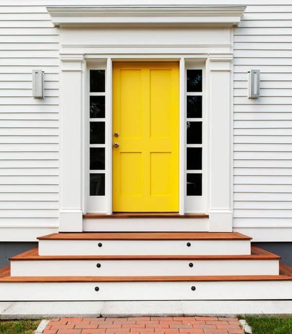 Жълта външна врата